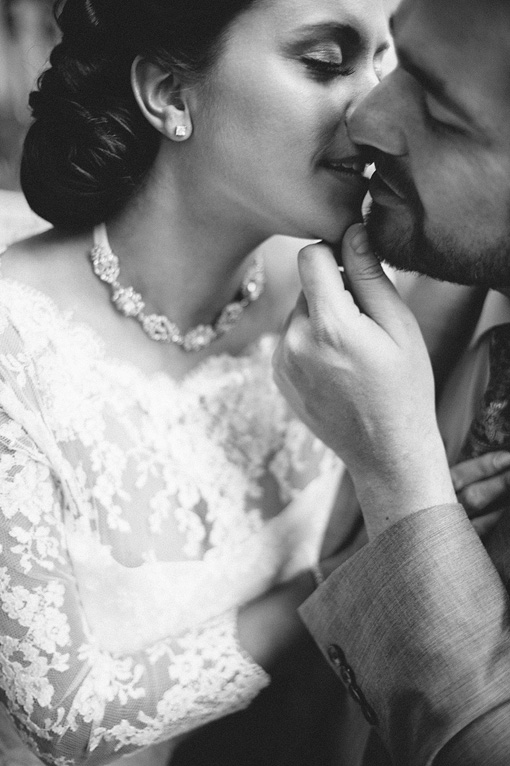 Kisses | Paris Elopement Photographer | Squaresville Studios